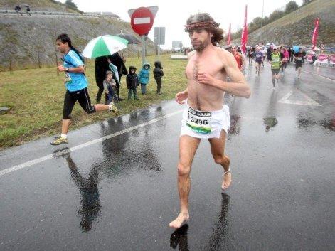 Correr descalzo