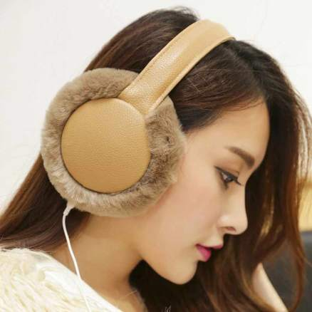 fall-winter-fashion-earmuffs-trend-for-women